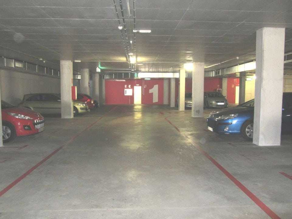 pintado-parking-bsm-ciutat-meridiana